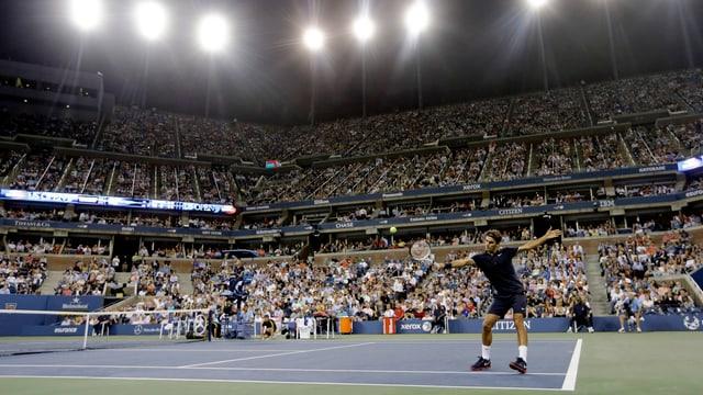 Roger Federer beginnt in New York in der Night Session.