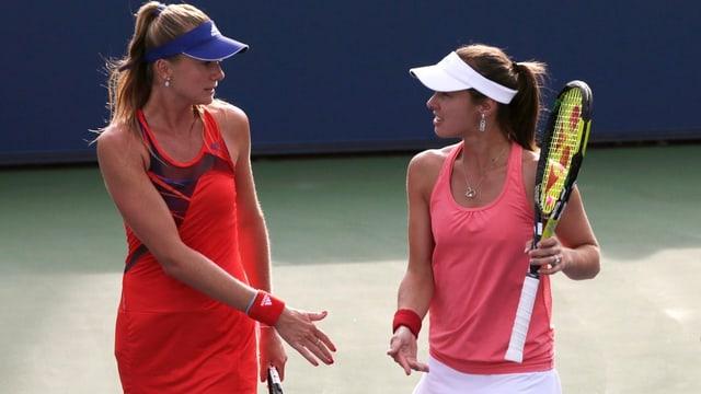 Martina Hingis (rechts) und Daniela Hantuchova bei ihrer Niederlage in der Startrunde.