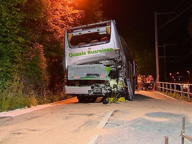 Der zerstörte Bus