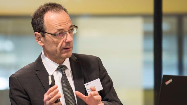 Portrait von Lino Guzzella, Präsident der ETH Zürich