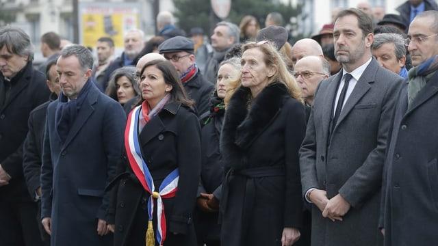 Politichers a la commemoraziun.