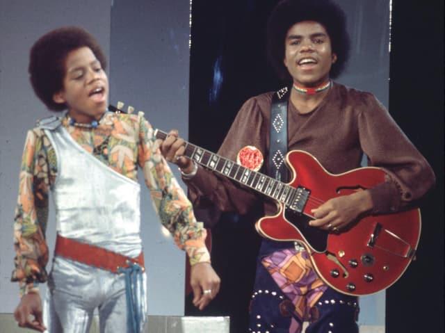 Michael Jackson mit dem Musiker Tito.