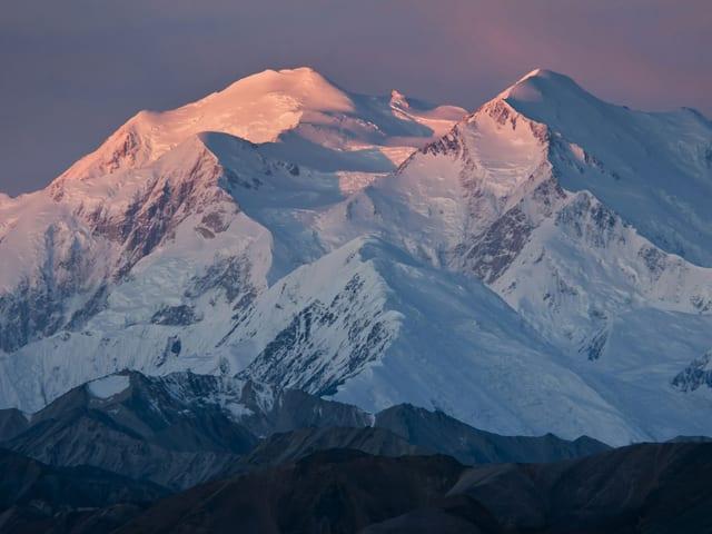 Der Mount McKinley in der Abendsonne.
