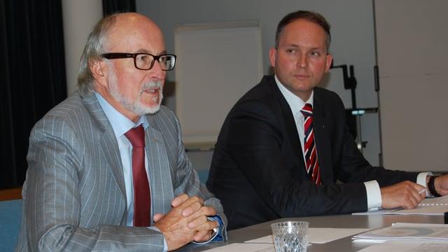 Generationenwechsel bei Ypsomed Burgdorf: Vater Willy Michel und Sohn Simon Michel, der neue CEO ab Mitte 2014.