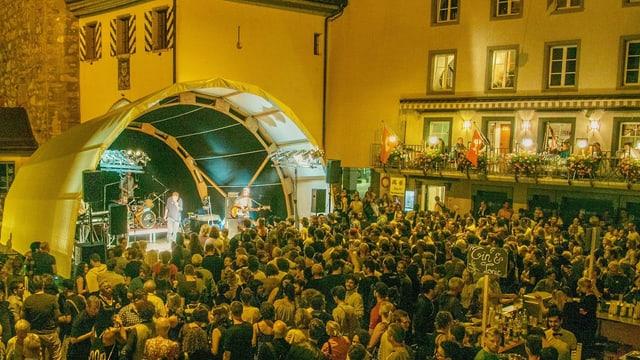 Alte Architektur trifft auf neue Musik an «Musig i de Altstadt»