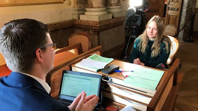 Im September 2019 im «Hallo SRF! Medienforum», jetzt für einen eigenen «Tagesschau»-Beitrag im Bundeshaus: Gymnasiastin Laura Schneider.