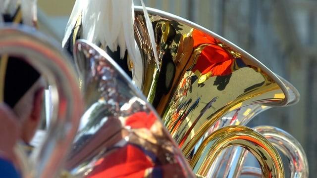 Pliras tubas a la festa federala da musica a Lucerna il 2006.