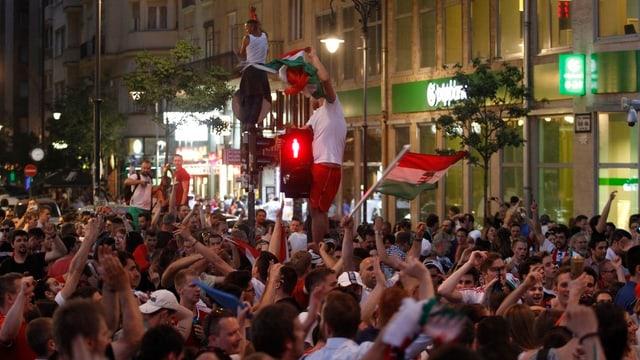 Ungarische Fans in Budapest.
