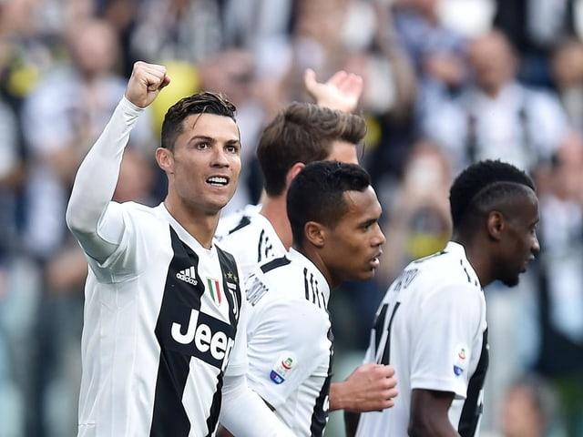 Cristiano Ronaldo und seine Teamkollegen bei Juventus.