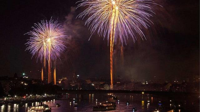 Basler 1.-August-Feuerwerk über dem Rhein
