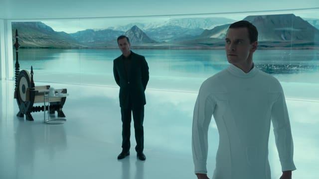Der menschenähnliche Roboter David steht seinem Schöpfer gegenüber.