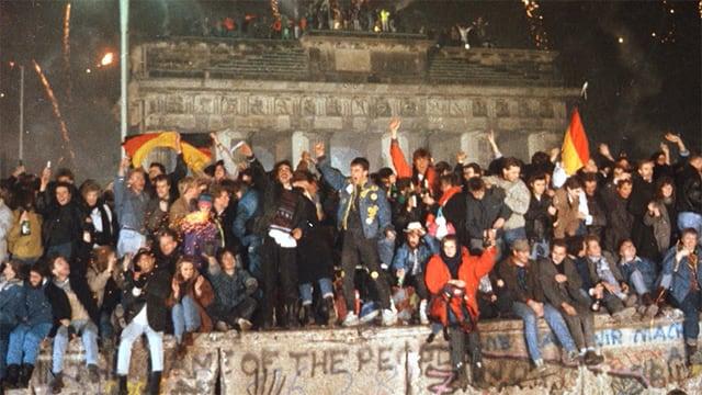 Video «Soundtracks: Lieder, die Geschichte schrieben - Der Fall der Berliner Mauer (3/5)» abspielen