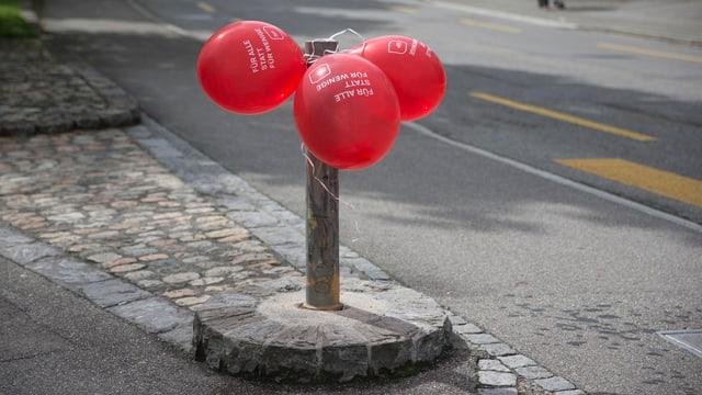 Drei Ballone mit SP-Logo.