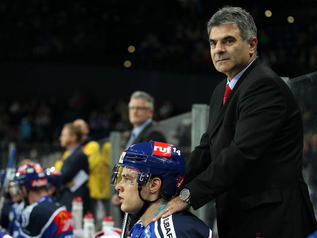 ZSC-Teamarzt Gery Büsser (mit Chris Baltisberger)