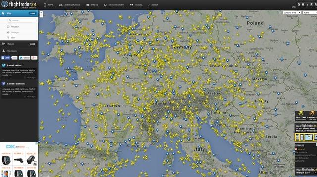 Europa-Karte übersäht mit Flugzeugen
