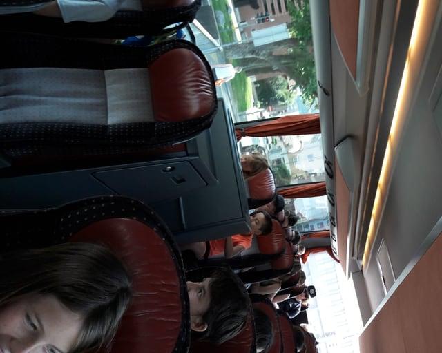 Purtret dals uffants en il bus vi da durmir.
