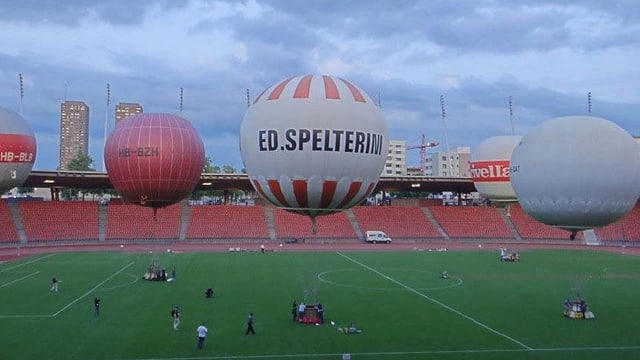 Ballon im Letzigrundstadion