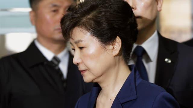 L'anteriura presidenta en viadi tar il procuratur public la fin da mars 2017.