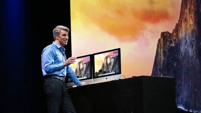Senior Vice President of Software Engineering Craig Federighi führt OS X Yosemite vor.