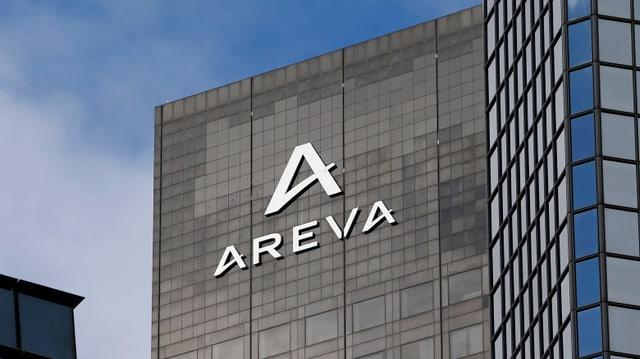 Ein Gebäude mit dem Areva-Logo