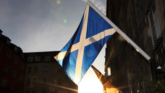 Schottische Flagge in Edinburgh