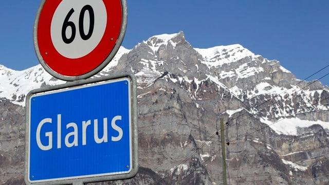 Ortstafel von Glarus