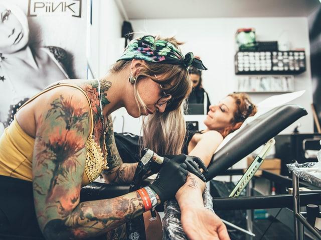 Ein unüberlegtes Tattoo, das man für den Rest des Lebens nicht mehr loskriegt? Kann man haben am Gampel.