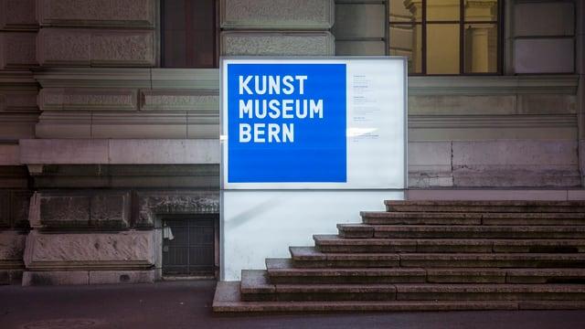 Ein Bild des Einganges des Kunstmuseum Bern.