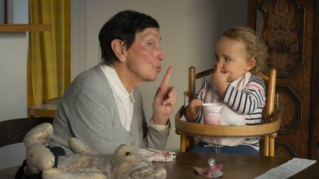 Video «Falten - Eine Auseinandersetzung mit dem Älterwerden» abspielen