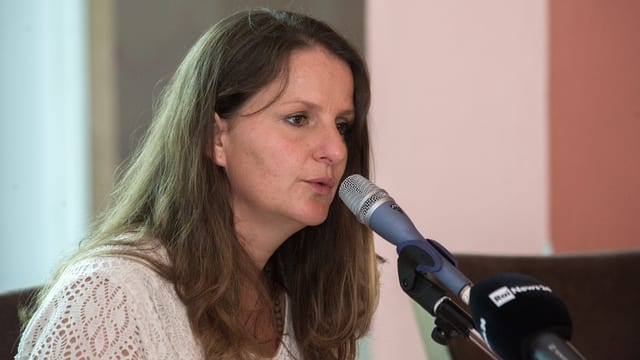 Lisa Bosia Mirra.