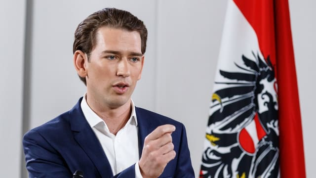 Il nov schef da la ÖVP Sebastian Kurz discurra suenter sia elecziun sco schef da partida.