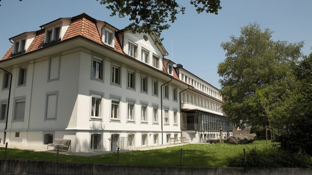 Das Spital Riggisberg von aussen.