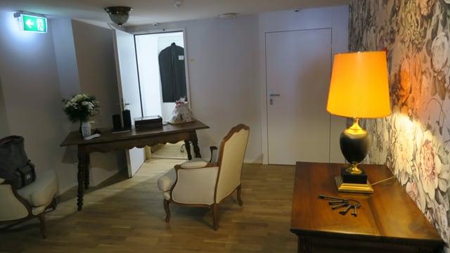 Möbel in Raum
