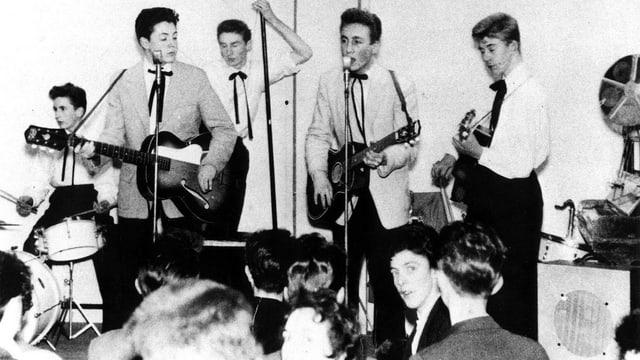 Lennon / Mc Cartney mit Band
