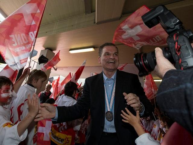 Unter Sean Simpson schaffte die Schweizer Nati bei der WM 2013 die Sensation und holte sich die Silbermedaille.