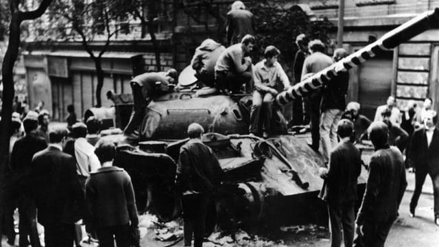Sowjetische Panzer in Prag 1968