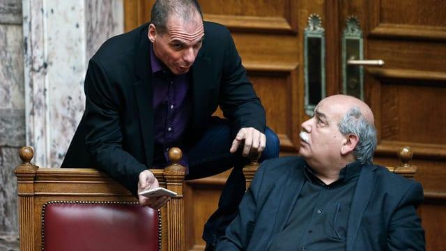 Griechenlands Finanzminister Yanis Varoufakis und Innenminister Nikos Voutsis (rechts)