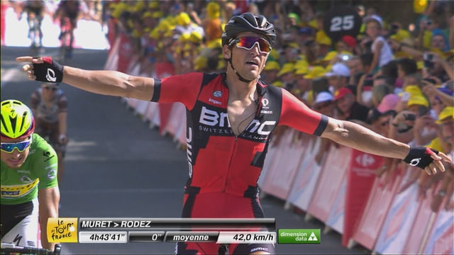 Greg Van Avermaet setzt sich vor Sagan durch.