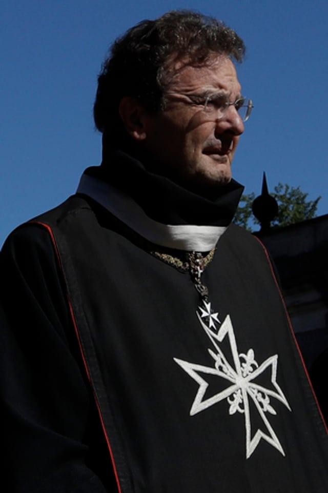 Albrecht von Boeselager in Ordenstracht.