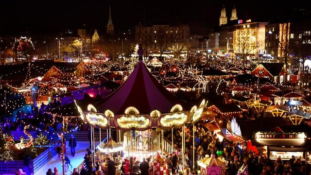 Weihnachtsmarkt auf dem Sechseläutenplatz