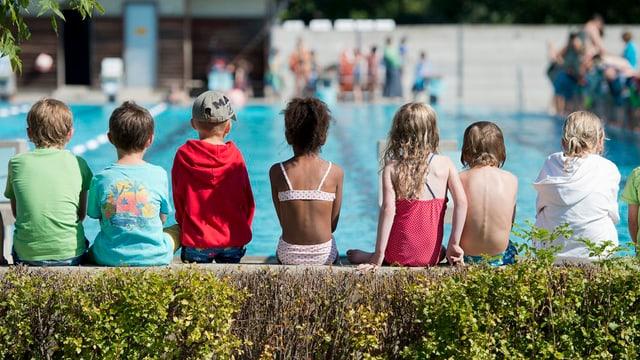 Kinder in der Badi