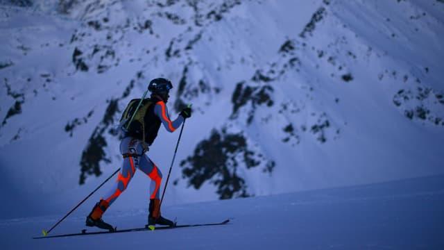 In skiunz sin skis da turas.