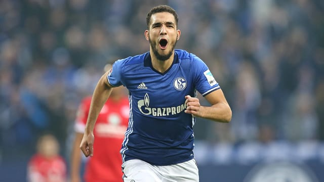 Nabil Bentaleb bejubelt einen Treffer.