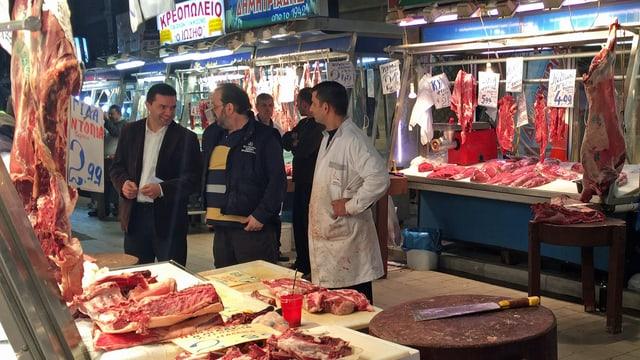 Metzgereistand auf dem Athener Wochenmarkt.