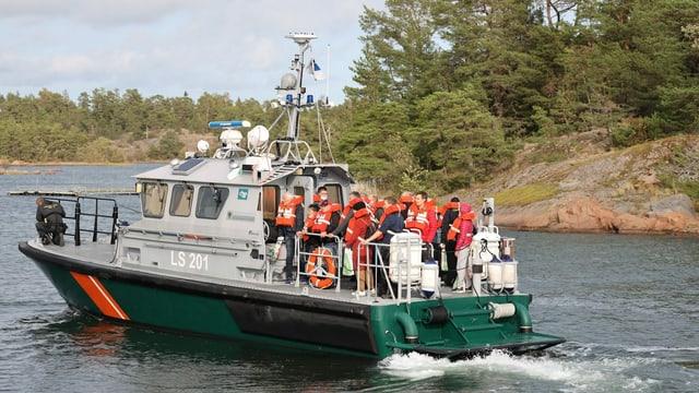 Leute auf Boot