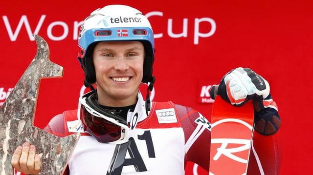 Il skiunz norvegiais Henrik Kristoffersen.