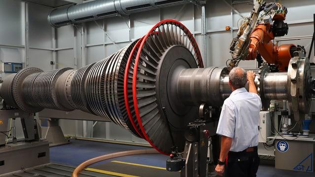 Ein Dampfturbinenrotor.
