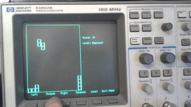 Ein Oszilloskop, auf dem Tetris gespielt wird.