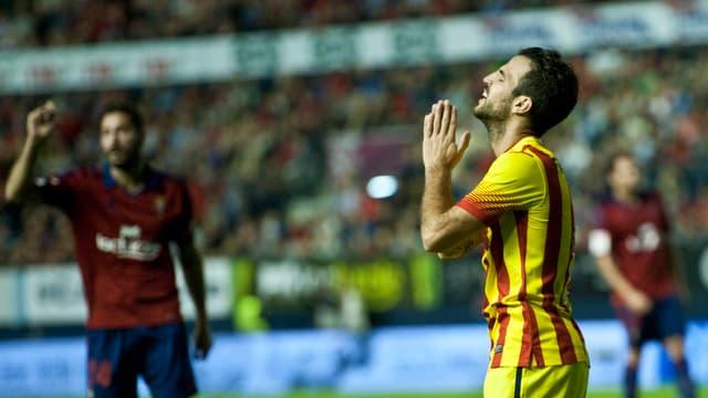 Barcelonas Cesc Fabregas kann es nicht fassen.