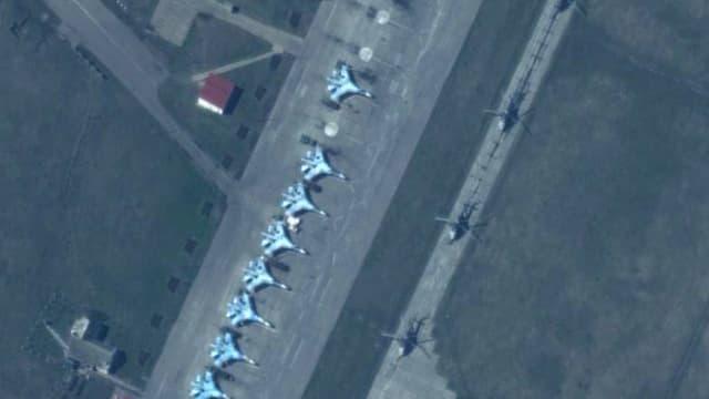Russische Kampfjets im Grenzgebiet zur Ukraine.